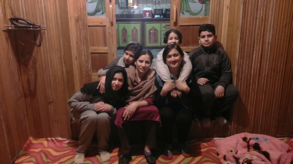 kashmiri_family