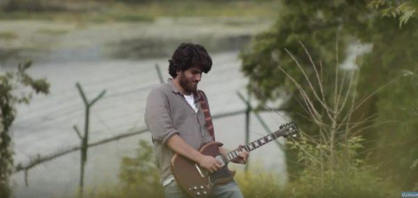 Gah Chon by Ali Saffudin – Sarangi and Guitar