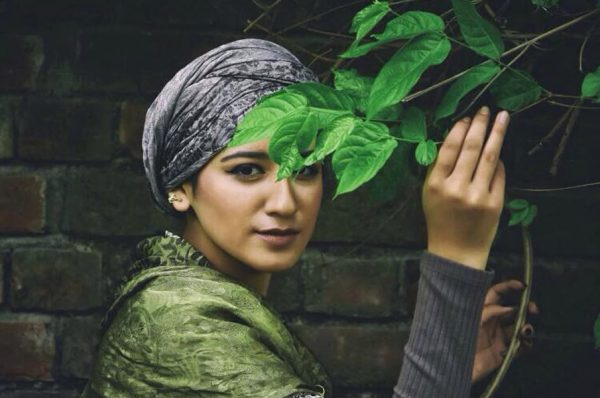 This 17 Year Old Kashmiri Girl Wants To Clear Misconceptions People Have About Hijab